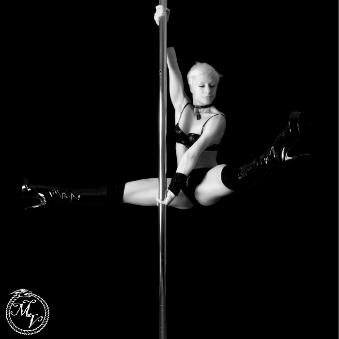 photoblog image Pole Dancer